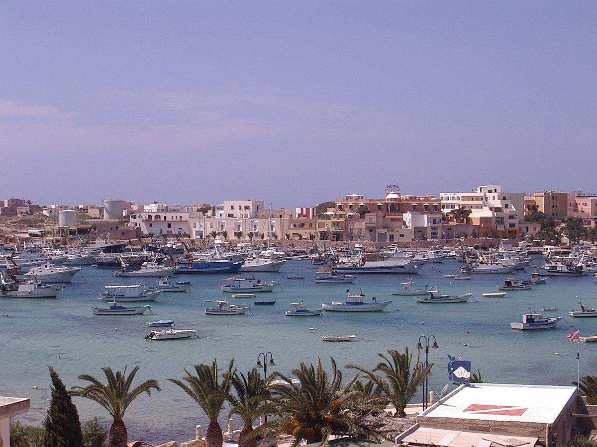 Partenza dal porto di Lampedusa