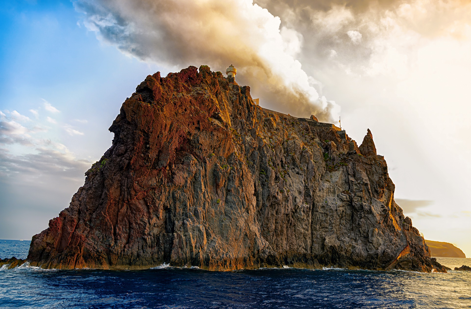 Trasferimento all'isola di Stromboli
