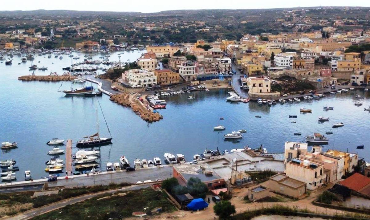 Ritorno al porto di Lampedusa